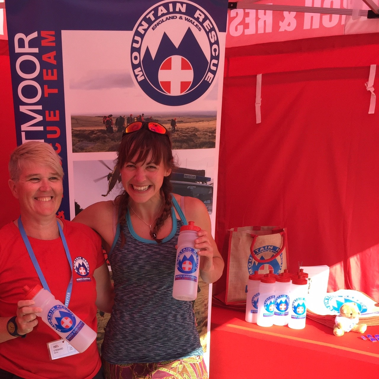 gallerytyu_Professional Climber Emma Twyford and team Member Karen showing off our new merchandise